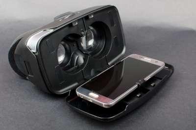 VR очки для смартфона iPhone или Android - обзор и возможности современных очков